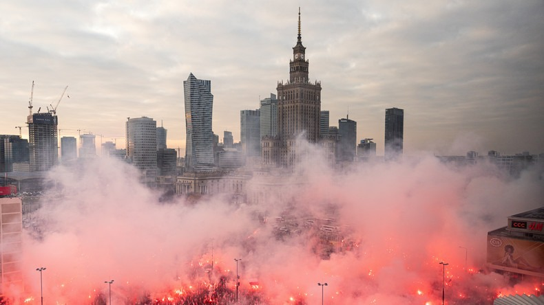 Nationalistes défilent en Pologne contre le mondialisme