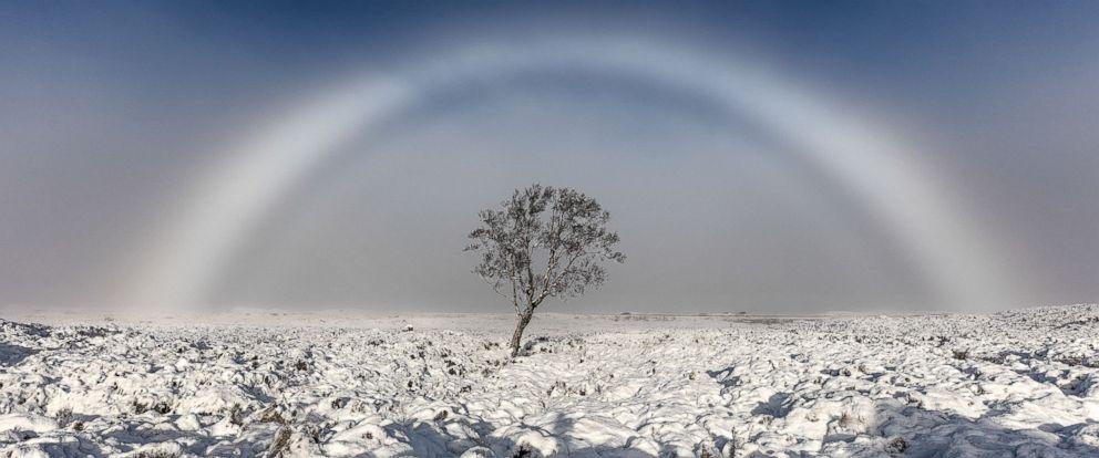 Un arc en brouillard, un phénomène rare...